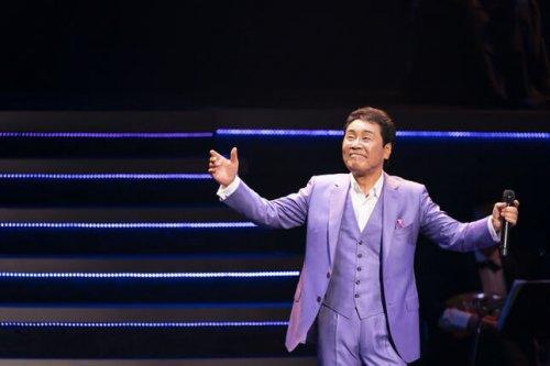 このイメージ画像は、このサイト記事「おすすめ『五木ひろし』 公式YouTube人気動画まとめ!」のアイキャッチ画像として利用しています。